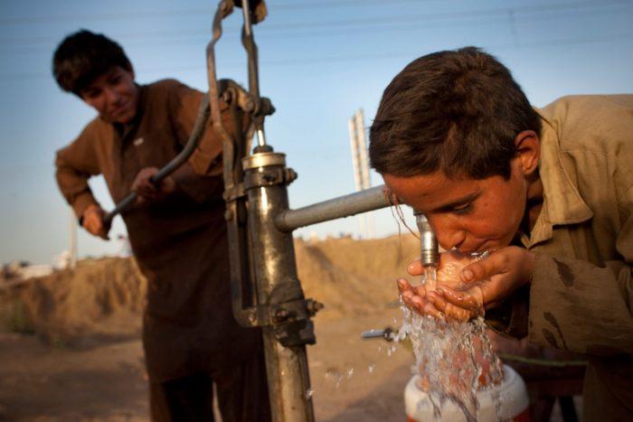 питье зараженной воды